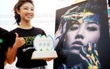人物影像:顏卓靈,90後, 曾獲香港電影導演會年度新演員獎