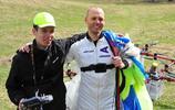 拉脫維亞跳傘運動員完成世界首次無人機跳傘