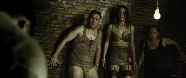 《看不見的客人》後又一部高分懸疑片,赤裸裸的人性!