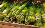 """清邁這家超市火了,因為它家的""""包裝袋""""都是用植物做的"""