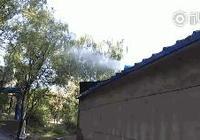 攝像頭|北京大氣顆粒監測站旁噴霧氣,現場員工稱為除塵