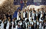 聯莊--意甲冠軍 尤文圖斯  C羅舉起獎盃