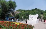 風景圖集:新疆紅山公園,烏市的標誌之一,山體赭紅色,十分獨特