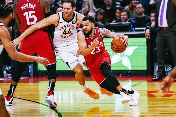 NBA:勇士憾負爵士;雄鹿力克鵜鶘;活塞加時擒狼