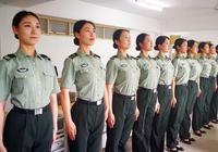 同樣是女兵宿舍,中國與美國女兵,僅從一點便可以看出差距!