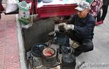 農民進城做爆米花,人們都愛吃,有人說它汙染了環境,你怎麼看?