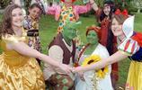 英國新婚夫婦辦特殊婚禮,童話般婚禮感動親友