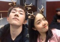 """易烊千璽戀愛了?看到他和美女的合照,網友表示:""""我酸了!"""""""