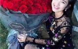 女星晒玫瑰:吳謹言19朵,唐藝昕99朵,昆凌的可以召喚神龍了