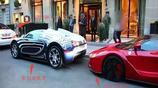 2500萬布加迪撞上2250萬法拉利,車主竟當沒事一樣開車就走