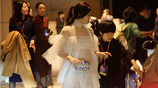 陳妍希穿薄紗出席活動被拍,網友調侃:咋能換條小內內嗎?