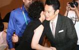 48歲許晴與49歲吳秀波同臺出席活動,網友:感覺口水都要流出來了