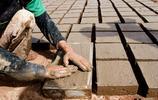 在也門磚廠工人的生活