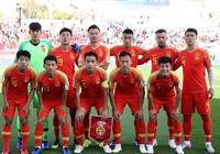 國腳紋身很尷尬!亞洲盃中國紋身球員貼膠布,張莫斯多穿一件球衣