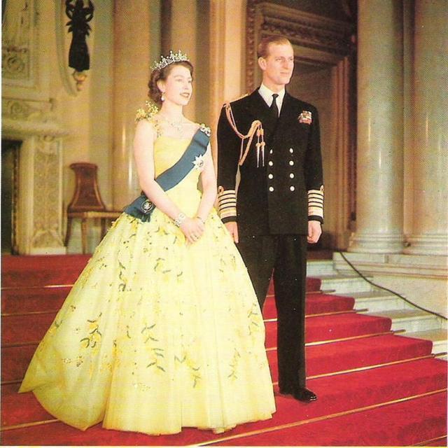 """8張菲利普親王的舊照,告訴你他年輕時為何是""""萬人迷"""""""