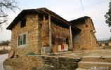 遺存在大山裡的石板房,山野裡的建築瑰寶,如今很少有人住了