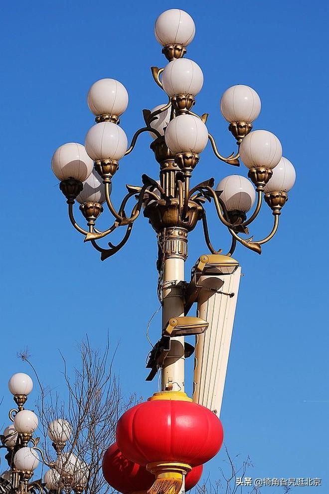您知道天安門廣場和長安街上的華燈外觀上有什麼不同嗎?