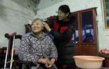 丈夫雖然是上門女婿,婆家出事後,90後媳婦帶著孩子回婆家生活
