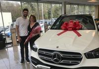 孝順!尼昂送給母親一輛車做為禮物