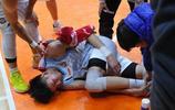 新疆隊遭遇傷病侵襲 周琦腳踝受傷被抬出場