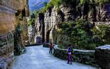 它被稱為中國第一影視村,因掛壁公路出名,被譽為世界第九大奇蹟