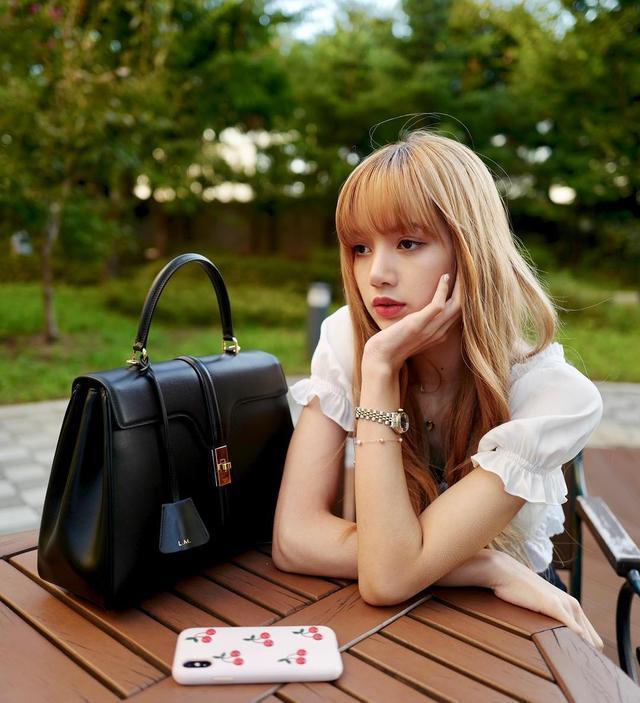 """跟Lisa學習""""酷甜女孩風"""",掌握6個基本單品,你也能像她一樣美"""