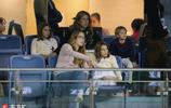 費德勒妻子米爾卡場邊帶娃觀戰 兒子女兒都是高顏值