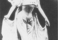 裕容齡作為慈禧最寵信官女,為何晚年被打斷雙腿?