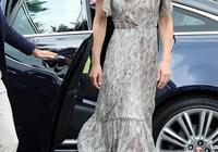 三娃媽媽凱特王妃穿4千花裙,輔導兒童攝影,接替女王心情大好