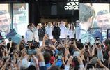 大衛貝克漢姆參加活動,引現場粉絲爭相拍照