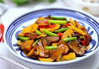 三月,這道菜,是當之無愧的下飯神器,解饞不長肉,不吃可惜了