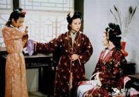 紅樓夢裡環三爺有沒有丫鬟?王熙鳳對賈環什麼態度?