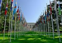 此國爭取到聯合國三個席位後,讓中國重返聯合國,另一國袖手旁觀