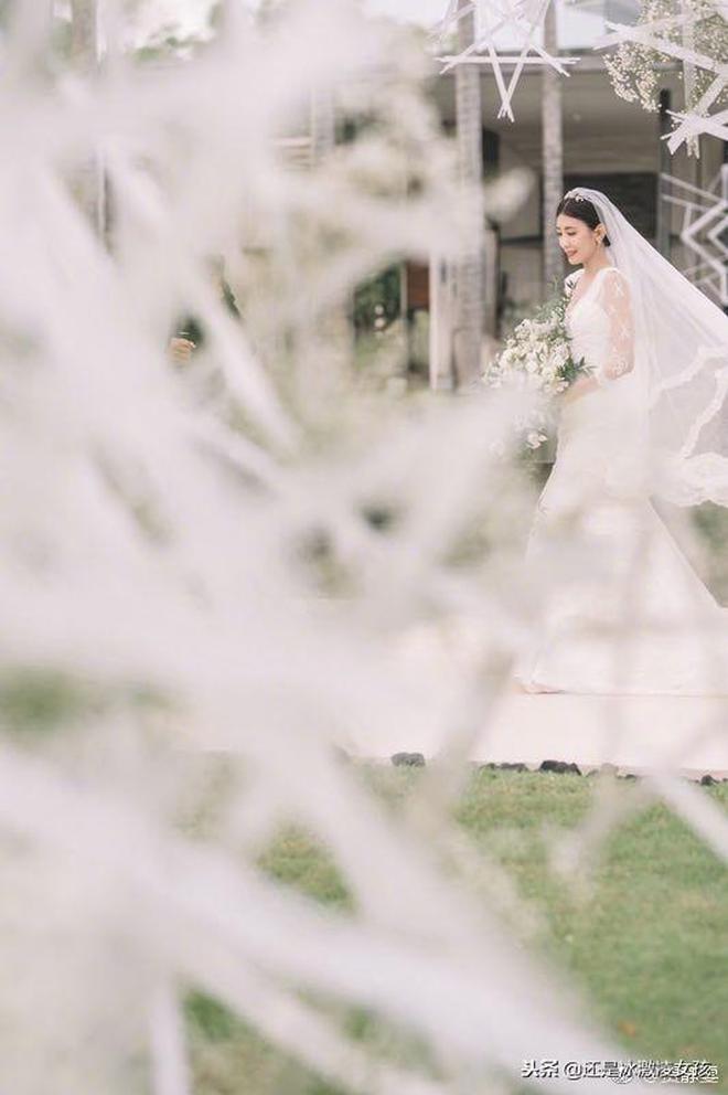 賈靜雯微博發佈婚禮美圖,網友:趙敏最後嫁給了幸福