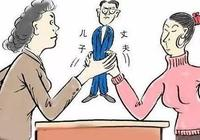 """夫妻感情不和後,婆婆手持兒子借條突然上訴法庭要前媳婦共同償還借自己的""""養老錢"""",法院:當庭駁回,身份特殊無法證明""""借款""""真實存在"""