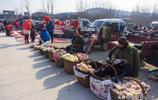 實拍濟南柳埠大集上農民自產自銷的水果,雖然不好看但原生態好吃