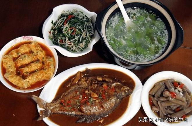 端午節回老家,婆婆做了4菜1湯,剛上桌大家搶著吃