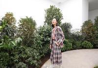 劉雯設計的衣服不僅貴還挑人穿,設計成品網友看了也覺得一般般