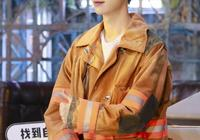 張藝興印花牛仔外套,青春時尚,鹿晗穿中國風紅色西裝,復古優雅