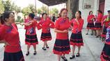 村民自發組織學跳廣場舞,感動文化志願者下鄉親臨指導