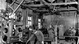 1951年,濰坊成立農具生產合作社,開始了由手工生產到機械化生產
