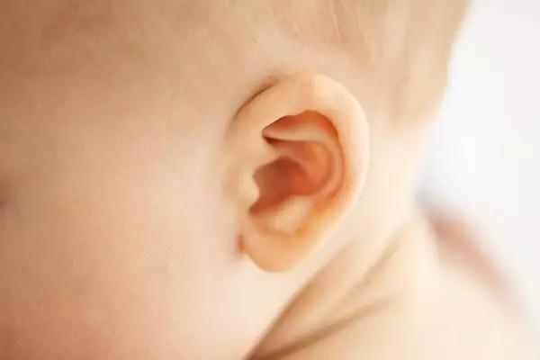 小兒中耳炎症狀?