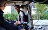 47歲男子每天送水8000斤,為孩子上學買房子全年不休息