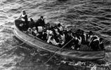 老照片:泰坦尼克號絕版照片,圖2是沉船前乘客拍攝的大冰山!