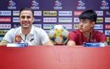 卡納瓦羅與楊立瑜出席亞冠第6輪廣州恆大與大邱FC的賽前發佈會