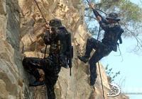 實拍中國特種兵攀爬訓練