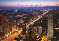 """百年長安街是新中國一條流動的血脈,它如何成為中國人心中的""""第一街""""?"""