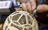 你見過在雞蛋殼上雕刻出一條龍嗎 山西就有這奇人 他的手藝真敬佩