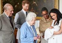 王室菲利普親王98歲生日!年輕時帥過威廉哈里,和女王愛情太甜