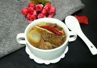 清燉白蘿蔔牛腩湯